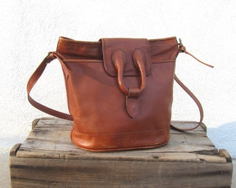 Vintage 90s Saddle Bag Cognac Chestnut Leather Cross Body Hobo Purse