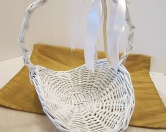 Flower Girl Basket - Vintage White Woven Wicker Basket - Gathering Style Basket - Wedding Ready