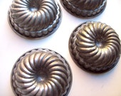 Mini bundt cake pans