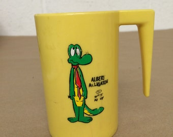 Vintage Plastic Albert Alligator Cup