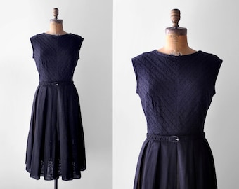 50's lace dress. black. 1950's dress. cotton. sleeveless. pleated skirt. 50 large dress. l.