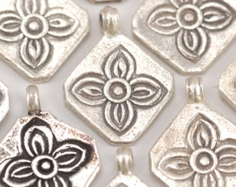 Hilltribe Silver Stamped Flower Charm (Q)