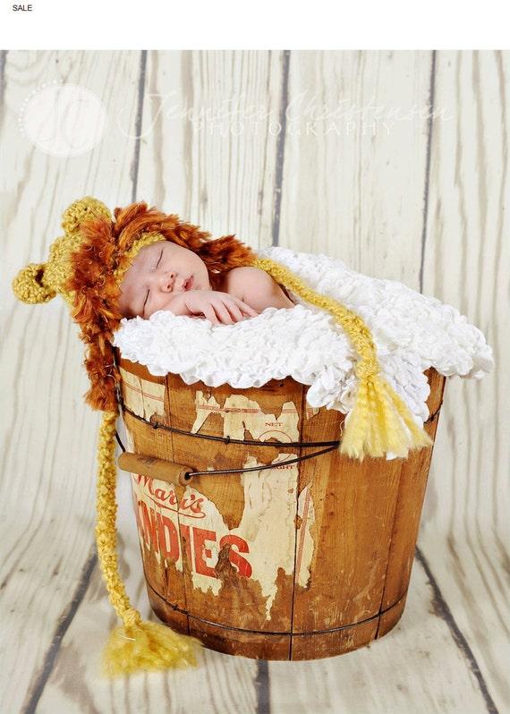 HUGE  Lion crochet hat