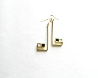 Gold Dangle Earrings-Resin Earrings-Modern Long Earrings-Modern Dangle Earrings-Inclusion Earrings-Contemporary Jewellery-Modern Jewelry