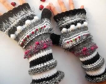 HAND KNITTED GLOVES Bohemian Women Accessories Boho Fingerless Warm Wrist Warmers Crochet Winter Arm Romantic Striped Gift Feminine 1141