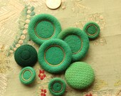 """Lot of antique wool passementerie green velvet cloth button assorted dolls intricate covered multi thread ribbonwork  trim 13/16"""" wide"""