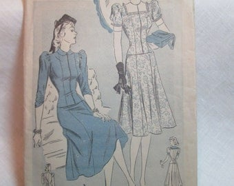 "Antique 1940's Advance Pattern #2417 - size 34"" Bust"