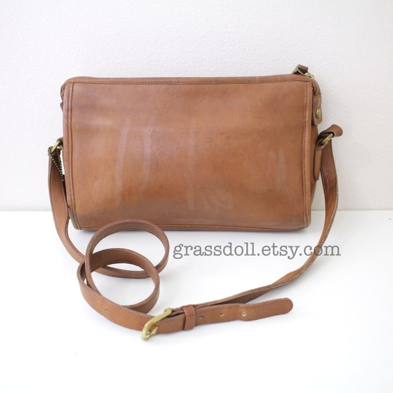 Vintage Coach Tan Color Leather  Cross Body Shoulder Bag / Coach- 9944 / Item No. 1585