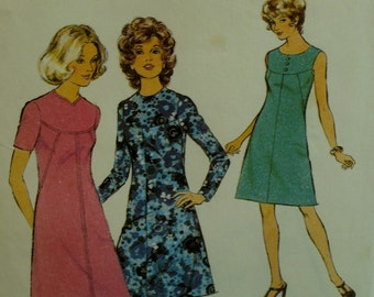 70s Yoked Dress Pattern, A-line, Sleeveless/short/long Sleeves,Front Center Seam, Jewel Neck, Style No. 3993 Size 10 (Bust 32.5'' 83cm)