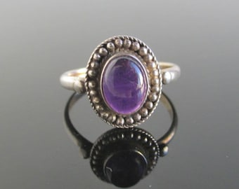 925 Sterling Silver & Purple Amethyst Ring - Vintage Size 6 3/4