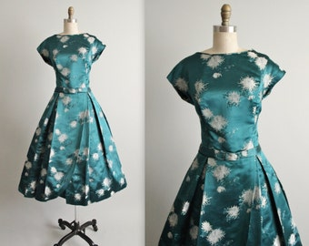 50's Cocktail Dress //  Vintage 1950's Satin Brocade Asian Cocktail Party Evening Dress S M