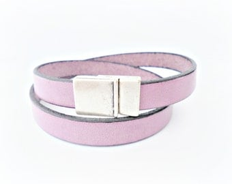 Light purple leather bracelet double wrapped with magnetic clasp