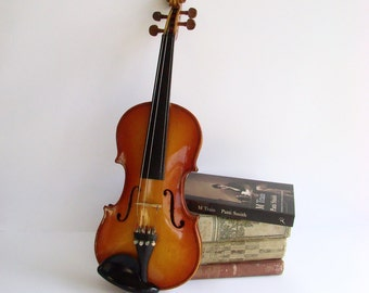 Violin With Case, Stylists Prop, J D Ferwerda, Made in Australia, 1/2 Size Violin, John Ferwerda