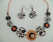 Button necklace,button jewelry,vintage necklace,black & white button necklace,tiger pattern buttons,get earrings at the same colors for free