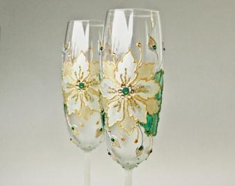 Poinsettia Glasses, Christmas Glasses, Winter Wedding Glasses, Christmas Toast, Champagne Glasses, Hand Painted, Set of 2