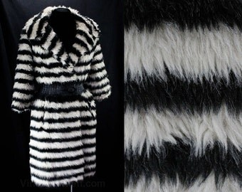 Size 6 Faux Fur Coat - Fabulous 60s Black Striped Outerwear - Dramatic 1960s Design - As Is - Black & White - Bust 34 to 35 - 47120