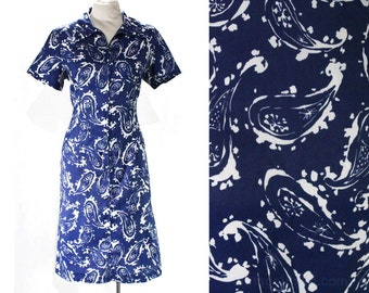 Size 14 1960s Dress - Blue Paisley Atomic Novelty Print - 60s Short Sleeve Sheath - Zip Front - Kitsch Housewife Chic - Bust 41 - 47311