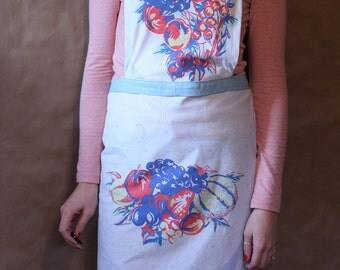Friday Dinner Apron - Handmade - 1940s Print - 100% Cotton - Handmade Apron / Kitchen Apron / Gifts Under 50 / Gifts for Her / Shower Gift