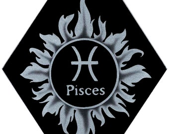 Carved Glass Zodiac Sign - Pisces - Hanging Suncatcher