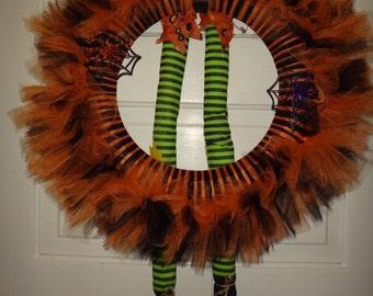 spooky halloween tulle wreath