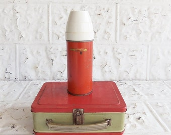 Vintage Red Creme Metal Lunch Box . Universal Thermos