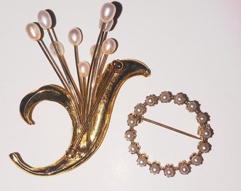 Vintage gold brooches/2gold brooches/pearl bouquet brooch
