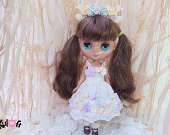 Middie II Petite Chica II PVC dolls Secret Flowers dress