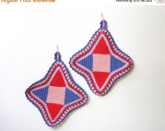 Summersale Vintage Crocheted Pot Holders Red, Blue and Pink
