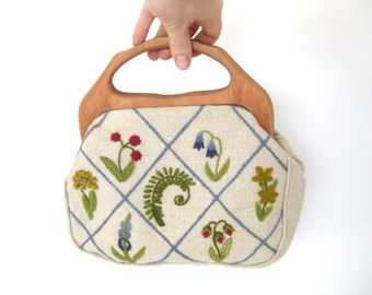 Vintage Bermuda Bag // Wooden Handles // Embroidered  // Handbag // Purse // Linen // Floral // Botanical
