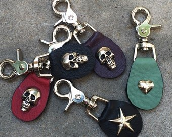 Leather and skull Zipper pull Bag charm keyring with heavy skull rivet or star - Laurel Dasso