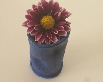 FLOWER BUD VASE < small > (mcl clay)