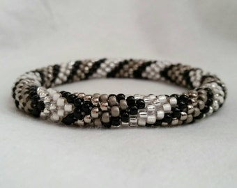 Black and White V-Pattern Seed Bead Crochet Bangle - Ready to Ship