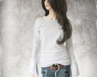 White top cuff/ruffle chest stripe/cuffed long sleeve/Scoop neck shirt/Knit blouse