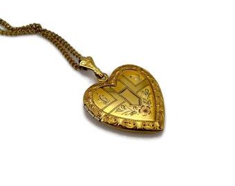 Heart Locket, 12K Gold Fill, Vintage Pendant, Floral Wreath, Etched Design, Signed WH, 1940s 40s, Heart Pendant, Locket, Pendant