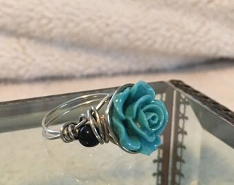 Turquoise flower wire ring