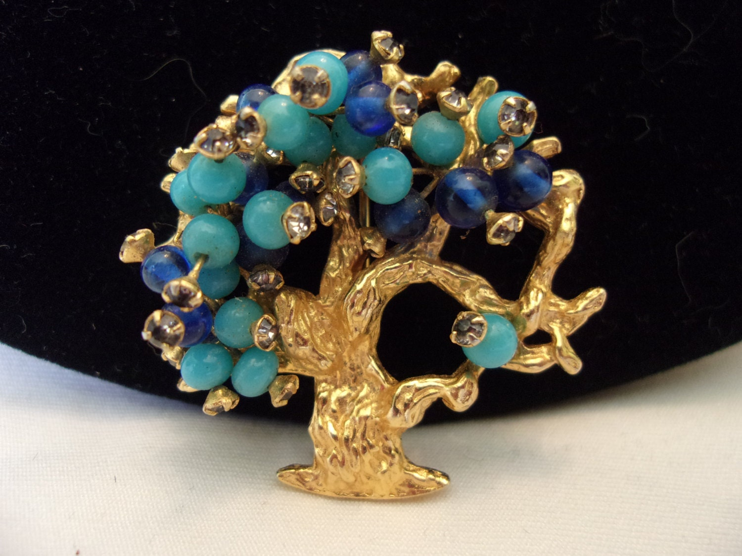 hattie carnegie jewelry hattie carnegie jewelry tree brooch pin blue turquoise glass 8670