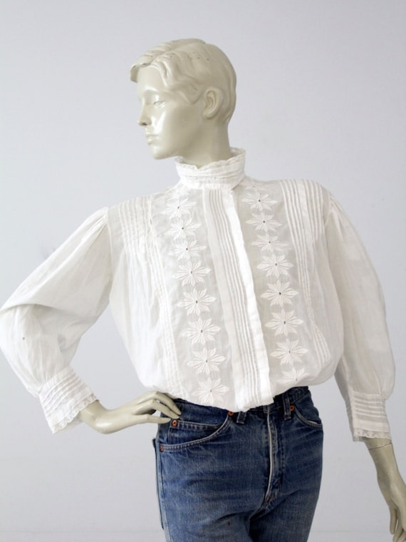 1900s blouse, antique white cotton top with floral embroidery