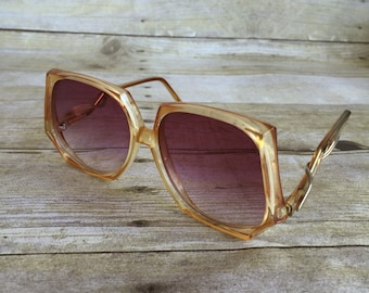 Retro Vintage Sunglasses - Large Frames - Hong Kong