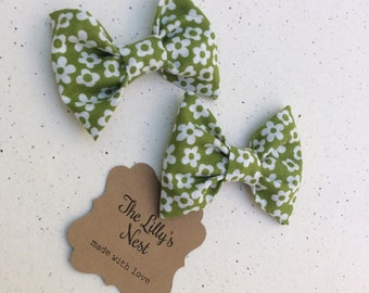 Olive green floral print fabric hair bow set, girls hair bow set, baby hair bow set