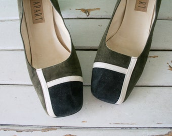 1980s SUEDE Two Toned Classic Heels....size 8.5 women....pumps. shoes. heels. oxford. closed toed. mod. fancy. mid century. mad men. box toe