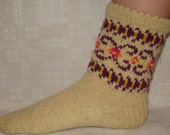 Hand knitted natural wool socks. Size: EU 37,5 - 38, US 5,5 - 6