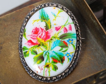 Vintage metal brooch pendant, with glass cabochon