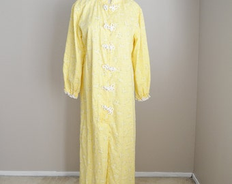 Vintage 60s Floral Pastel Yellow Daisy Gingham Nightgown Robe // womens medium
