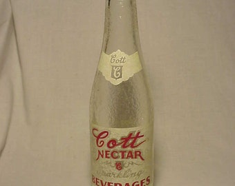 1948 Cott Nectar Sparkling Beverages Cott Bottling Co. Manchester, N.H., Crown Top ACL painted label bottle,