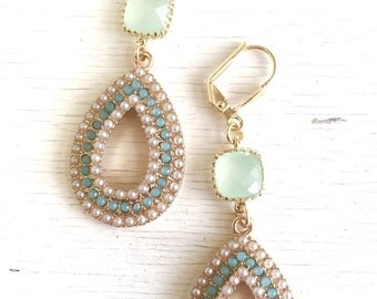 Light Mint and Pearl Chandelier Earrings in Gold.  Summer Statement Earrings. Dangle Earrings. Wedding Jewelry. Beach Earrings. Gift.