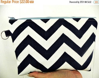 Zig Zag Large Cosmetic bag Large zipper Zig Zag Print Cosmetic/accessory Pouch-Navy and white or you choose the zipper color.