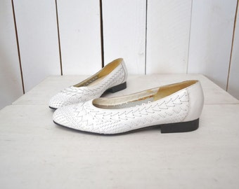 Woven Leather Flats Vintage Early 90s White Slip On Skimmer Flats Size 7