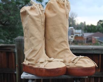 Vintage Canvas & Leather Trim Rasmussen Shoe Co. Mukluk Boots mens med. womens large