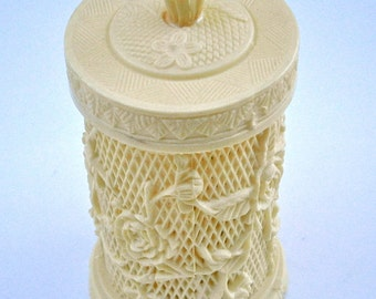 Vintage Faux Ivory Toothpick Holder Flower Plastic Appetizer Miniature Forks Hors d'oeuvres Vanilla Asian Serving Cocktails Canister Buffet