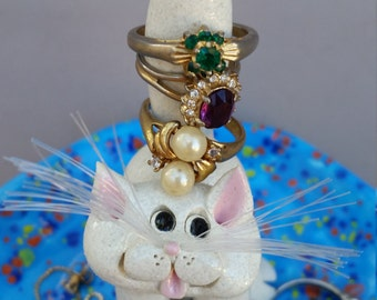 White  cat jewelry dish, Clay kitty, hand made, hand sculpted, unique cat, by Pencepets, Pence animal sculptures